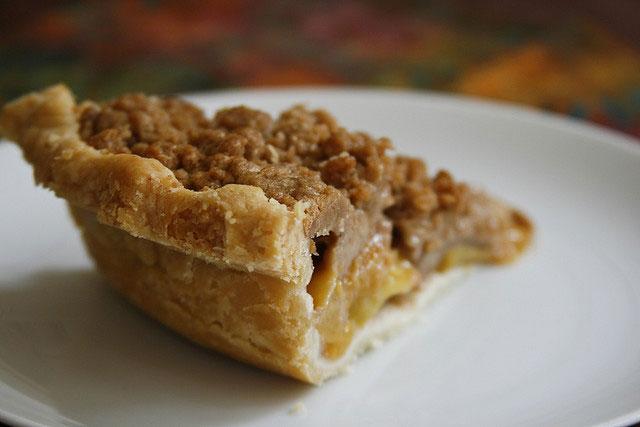 Crumb Peach Pie